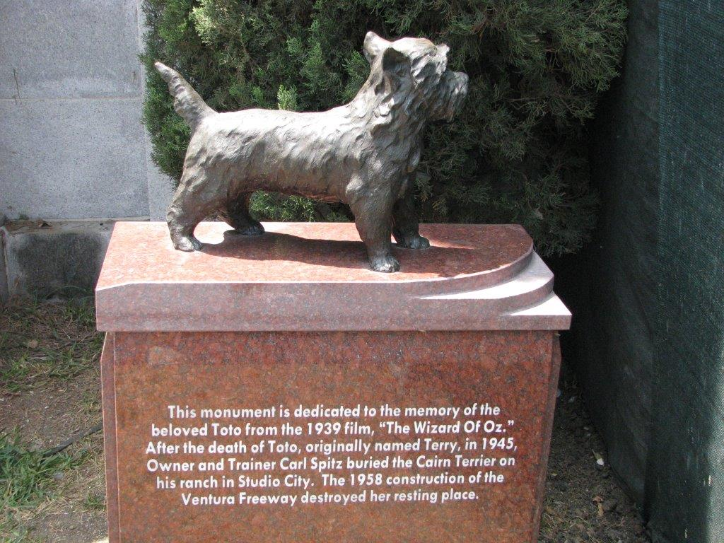 The recently placed cenotaph for Toto from Wizard of Oz.